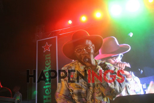 falz-performing-at-the-party