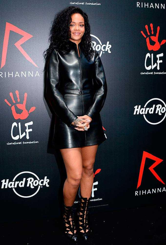 2014-06-azzedine-alaia-press-conference-at-hard-rock-cafe-in-paris-rihanna-style-file-getty__large