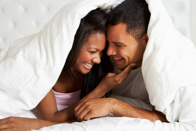 African-American-couple-in-bed-