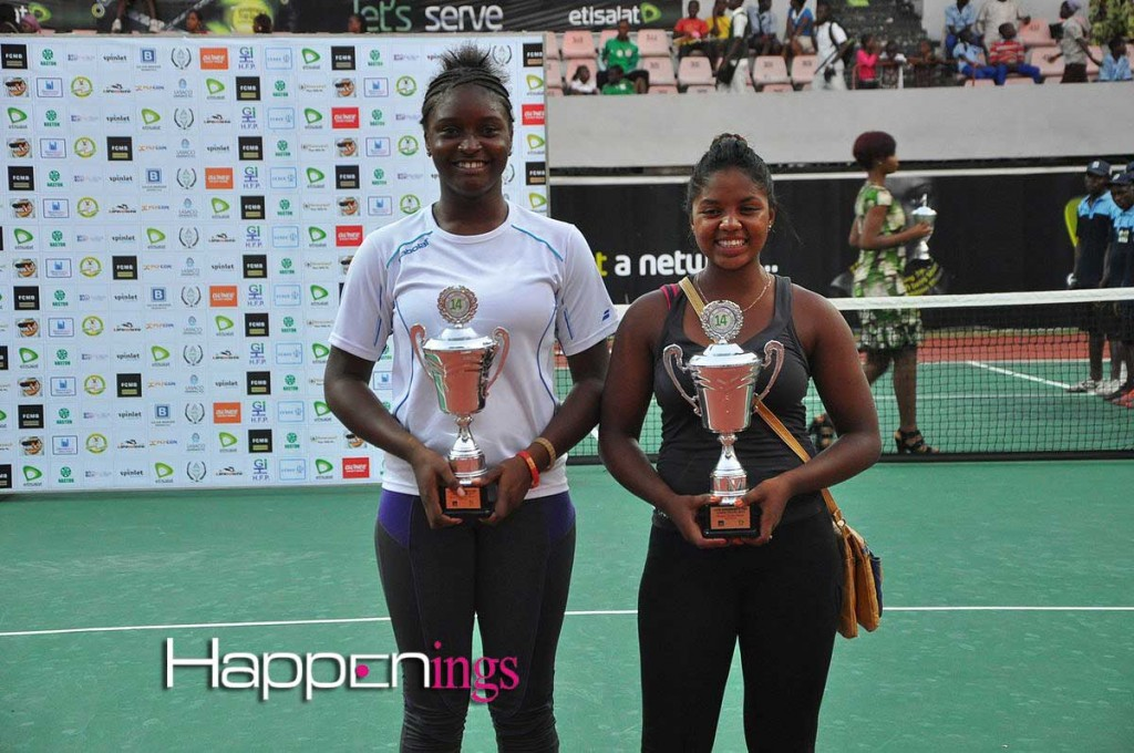 Zarah Razafinmahatratra and Sarah Adegoke  poses with their trophies.