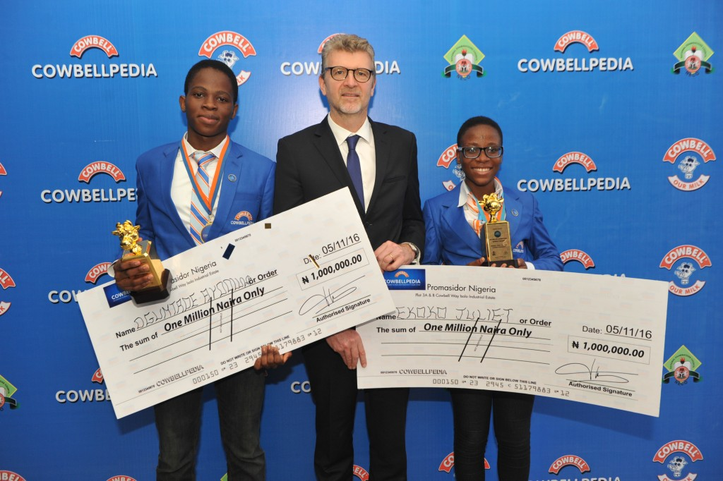 l-roguntade-ayooluwa-winner-senior-category-olivier-thiry-md-promasidor-and-juliet-ekoko-winner-junior-category-1