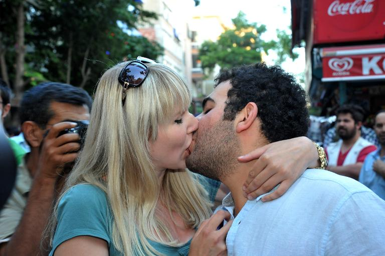 Turkish kissing protest