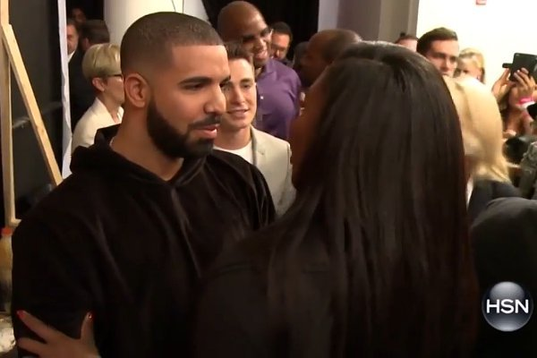 drake-shows-affection-to-serena-williams-at-nyfw