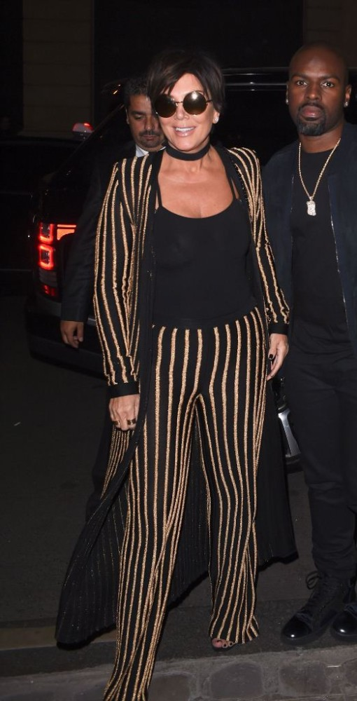 kris-jenner-at-costes-for-dinner-paris-october-2015-balmain-1-510x1000