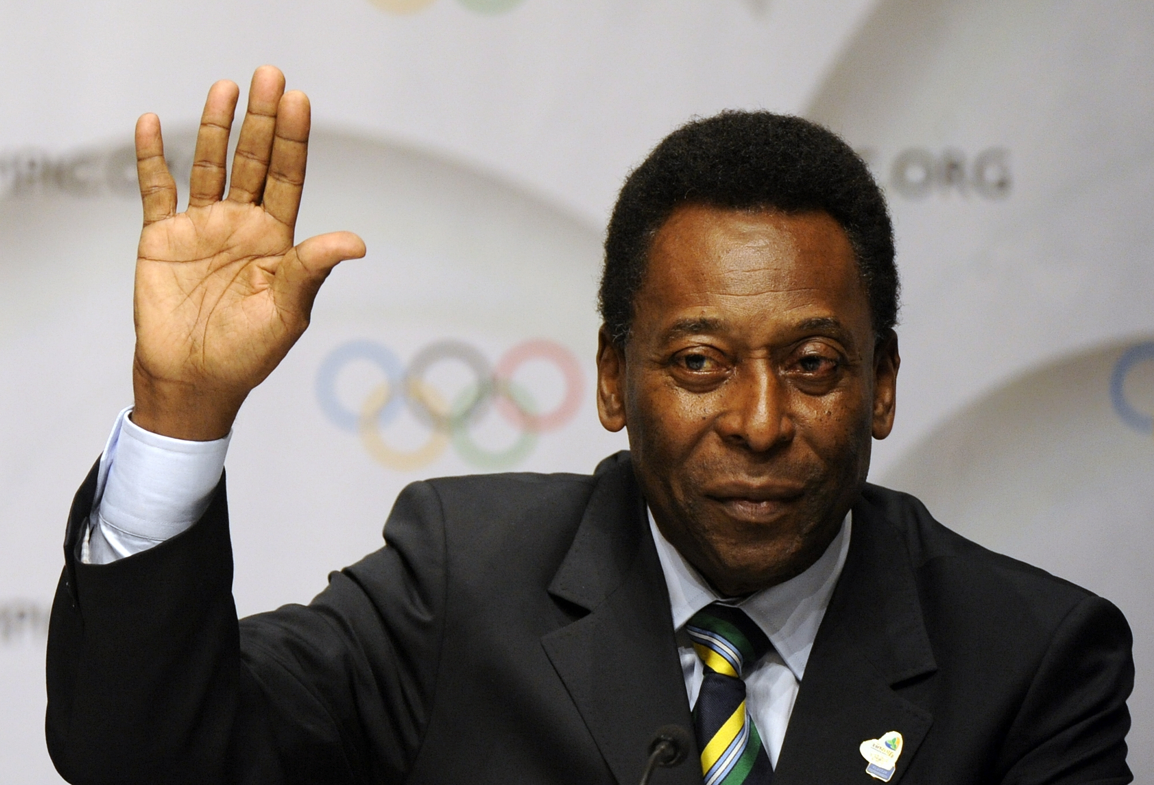 Image Rights Pele sues Samsung over $30 million line