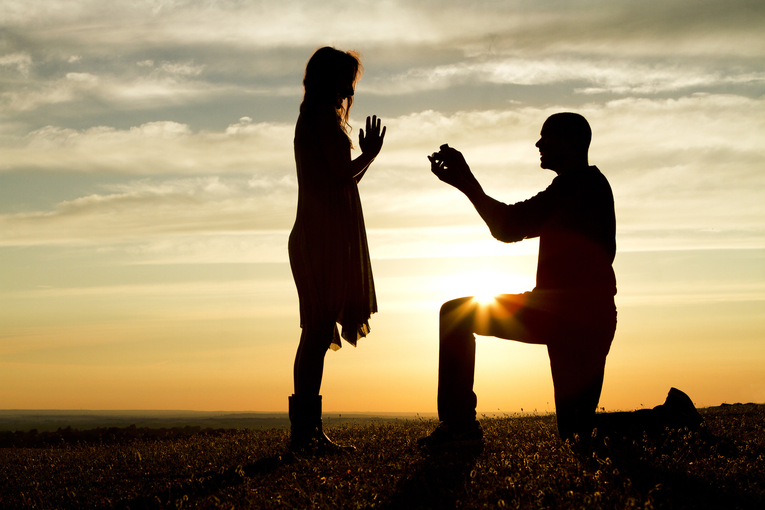 How to propose a guy online
