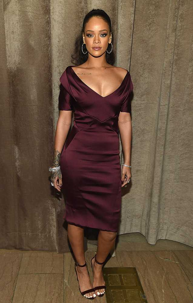 rihanna-attends-zac-posen---front-row--backstage-getty__large